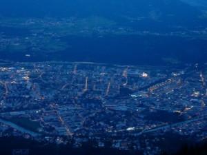 Innsbruck von oben - Little ole' town by nigh