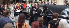"""Das Video zur Trauerfeier """"R.I.P. FuZo vulgo Prachtstraße, geb. Lebensraum"""""""