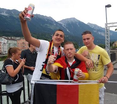 König Fußball in Innsbrucks Innenstadt