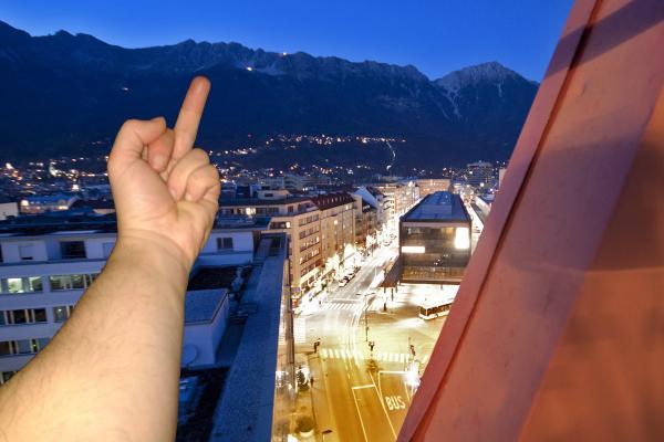 Mit dem Arsch zu den Bergen – ein Plädoyer für weniger Tirolität und mehr Innsbruckismus