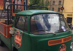 Einer von Depaolis illegal geparkten Schrotthaufen beim Strafzettelsammeln - Foto © Wolfgang Burtscher